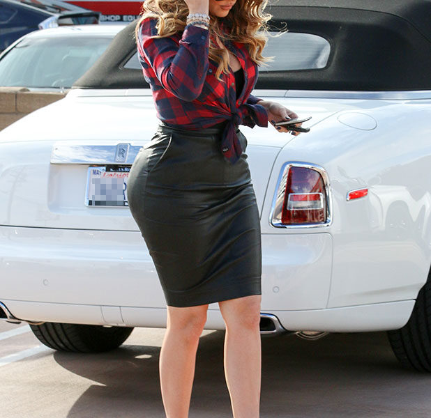 khloe-kardashian-leather-skirt