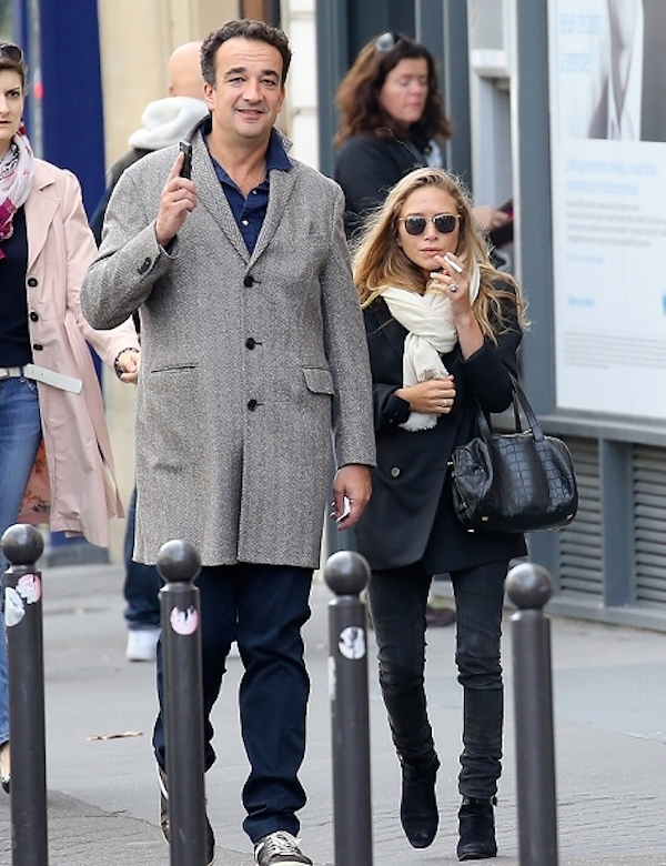 Olsens-Anonymous-Blog-Stye-Fashion-Mary-Kate-Olsen-Olivier-Sarkozy-Paris-Scarf-Button-Blazer-Skinny-Jeans-Suede-Buckle-Boots