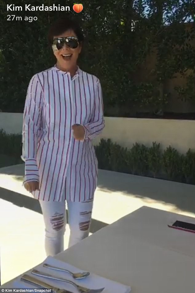 41FA726C00000578-4660280-Matriarch_with_the_most_Kris_Jenner_appeared_in_an_quirky_outfit-a-7_1499062208483