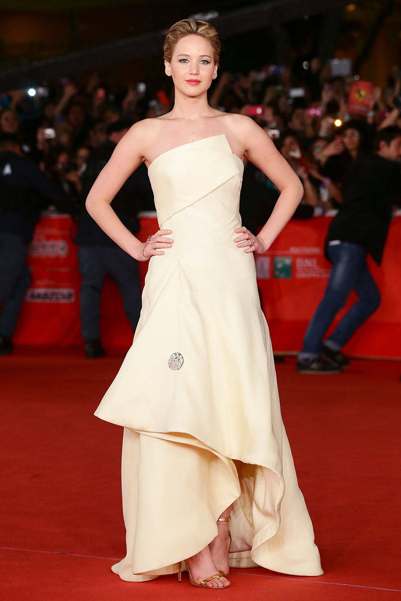 54a8d9863351b_-_nce-hunger-games-red-carpet-outfits-xln-nh3ezx-32685636-elv