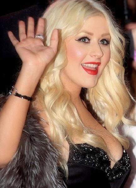 Christina_Aguilera_at_the_premiere_of_Burlesque_(2010)