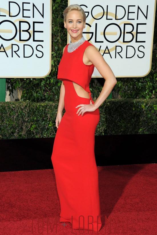 Jennifer-Lawrence-Golden-Globes-2015-Red-Carpet-Fashion-Christian-Dior-Tom-Lorenzo-Site-4