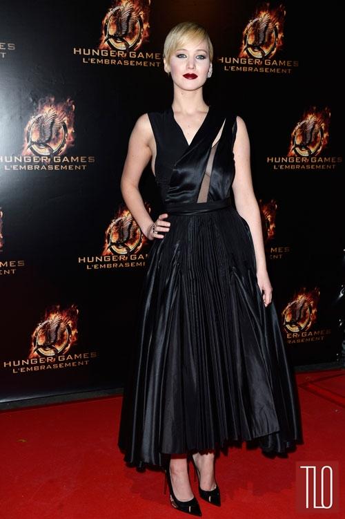 Jennifer+Lawrence+The+Hunger+Games+Paris+Premiere+Christian+Dior+ (1)