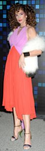 45C201CD00000578-5026249-Cindy_looked_incredible_in_an_orange_and_pink_dress_which_she_ac-a-6_1509175030563