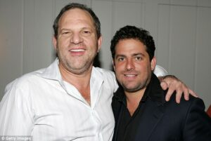 45EBE53A00000578-5039309-Harvey_Weinstein_and_director_Brett_Ratner_pose_inside_at_the_V_-a-3_1509580201903