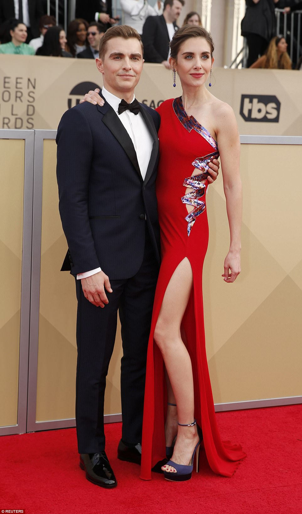 486B6C4E00000578-0-Glowed_up_Alison_Brie_pictured_with_husband_Dave_Franco_took_the-a-65_1516581730379