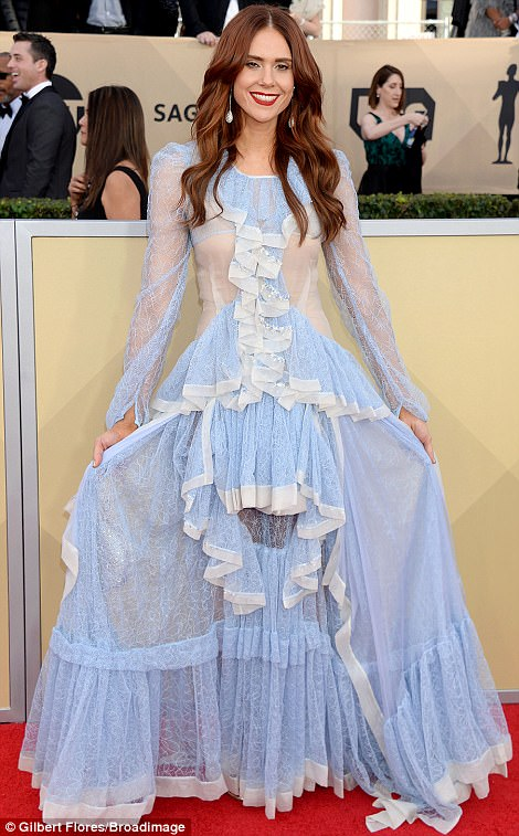 486BD9A800000578-0-Lace_down_Kate_Nash_s_baffling_outfit_had_ruffles_in_all_the_wro-a-52_1516581729748