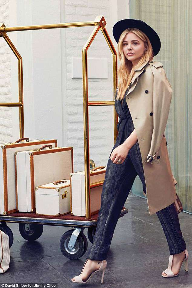 4ADE011600000578-5584857-Stepping_out_At_the_beginning_of_March_Moretz_made_it_to_France_-a-76_1522994396089