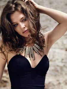 7b4812678af2cf619fb33e3396e520c5--anna-friel-british-actresses