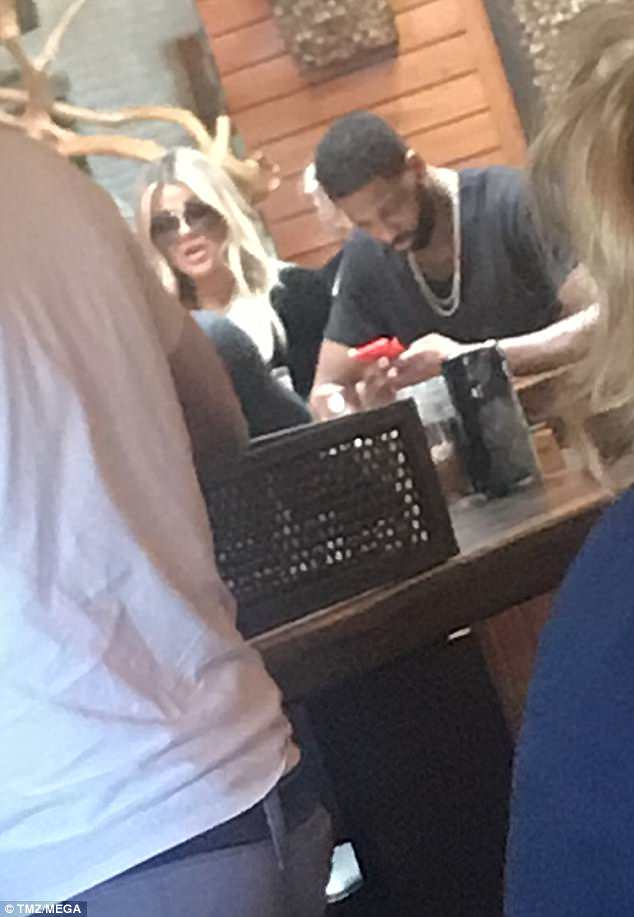 4BDDA61D00000578-5693269-Back_on_Khloe_Kardashian_and_Tristan_Thompson_were_spotted_at_lu-a-28_1525500483681