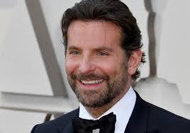 Nuovo amore per Bradley Cooper? Ecco chi è la donna che lo ha fatto  sorridere - Radio Monte Carlo