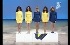 25 anni di Non è la Rai: come si vestivano le ragazze - Moda - D.it  Repubblica